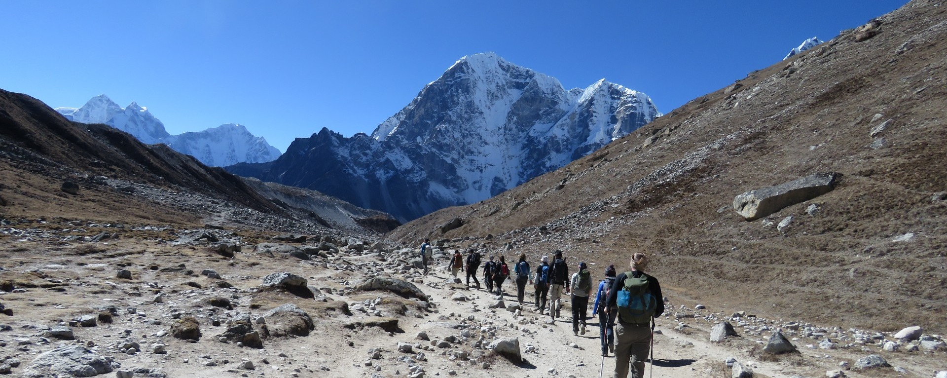 Descending from Lobuche to Thugla